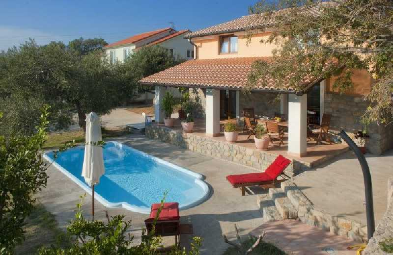 Villa With Pool In Palit On Rab Island
