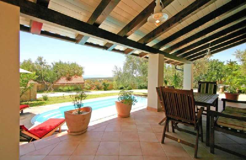 Villa vacanze con piscina palit villa esclusiva con - Foto ville con piscina ...